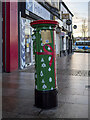 J5081 : Festive postbox, Bangor by Rossographer