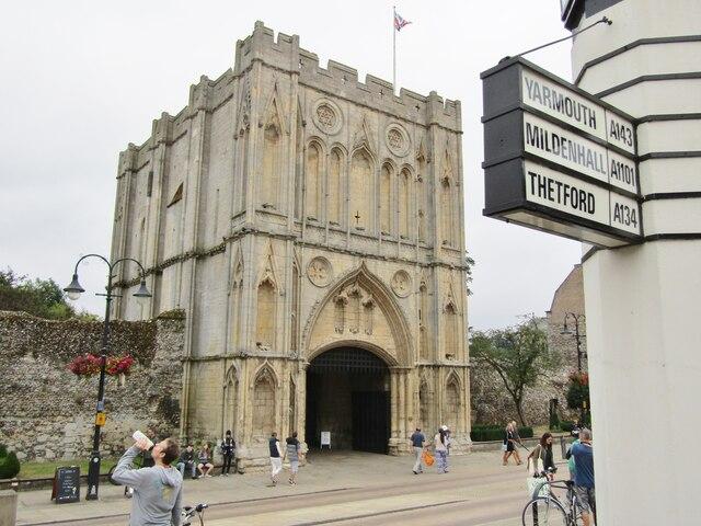 Bury St Edmunds - Abbey Gate