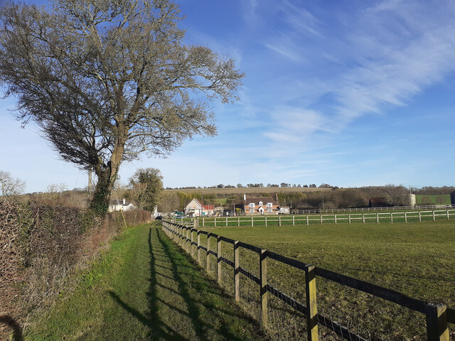 Footpath and new house building at Chilcomb