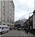TQ2681 : Entrance to Paddington Station by habiloid