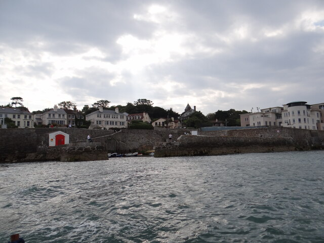 Leaving Colliemore Harbour