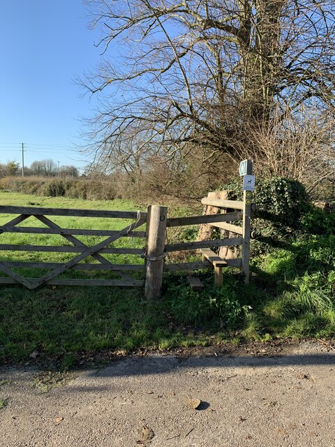 Footpaths off Old Mill Lane, Marnhull