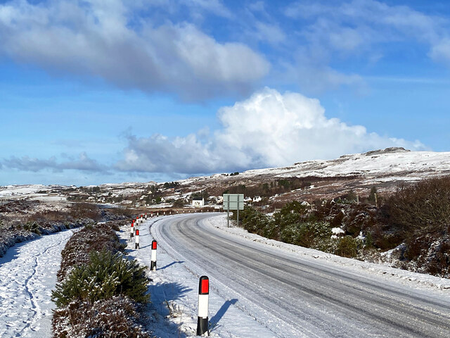 The A87 to Uig, approaching the Annishader junction