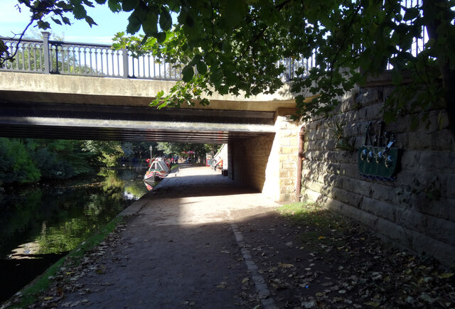 Bridge carrying Victoria Road over the Leeds and Liverpool Canal