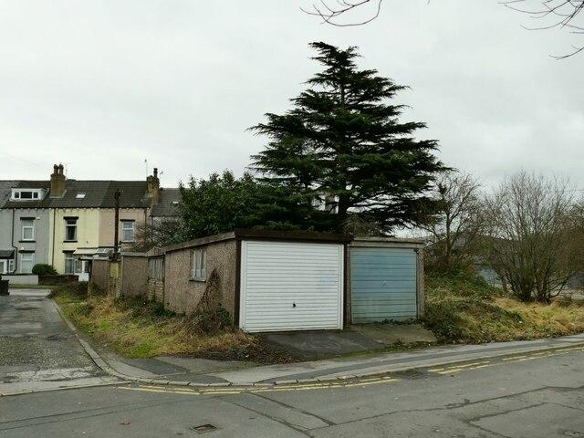 Garages on Owlcotes Lane