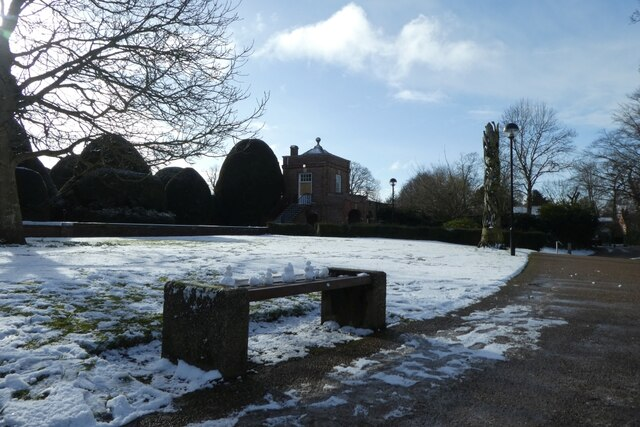 Snowmen on a bench