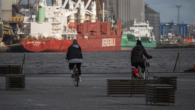 Cyclists, Belfast