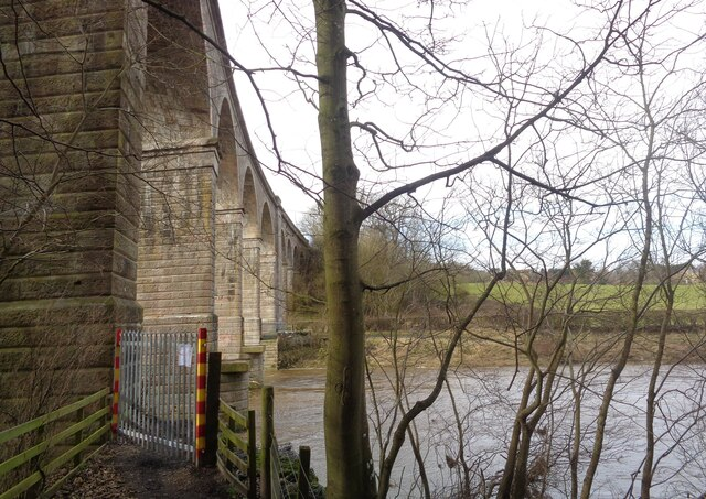 Heiton Viaduct  with the footbridge removed