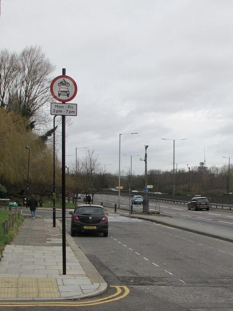 Traffic restriction stops Western Avenue evening rat run
