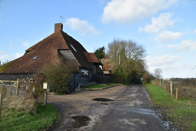 Iden Farm Cottage and barn