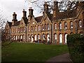 TQ1875 : Richmond-upon-Thames : Church Estate Almshouses by Jim Osley