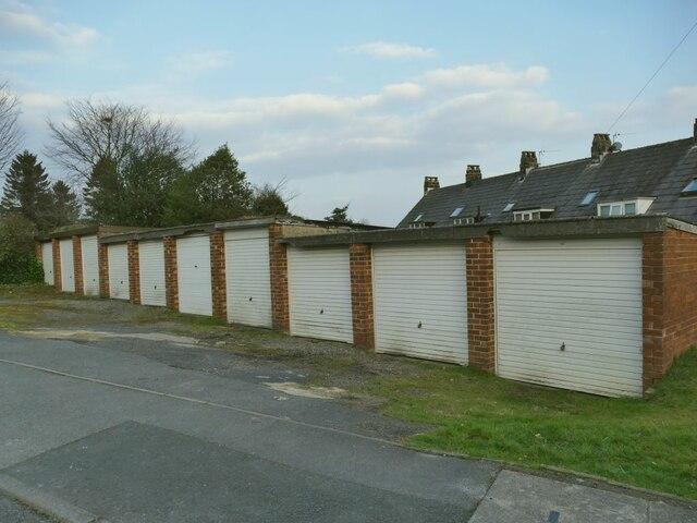 Lock-up garages, Stoney Lane, Horsforth