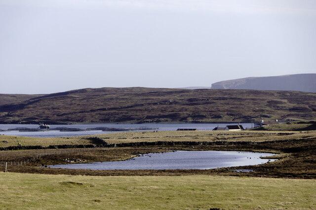 Loch of Broomhill, Uyeasound