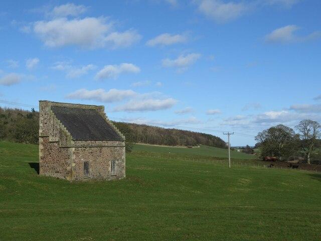 St Fort Doocot