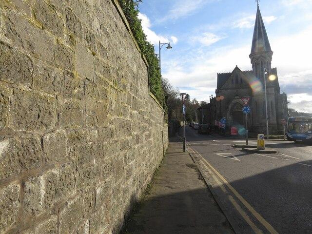 Manse wall, High Street, Newport on Tay