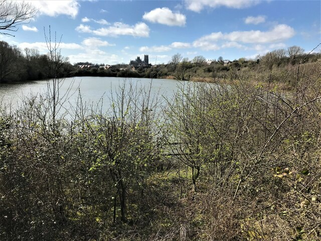 Roswell Pits in Ely viewed from Kiln Lane
