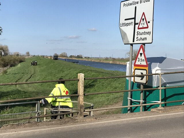Preparation for the 2021 University Boat Race near Ely