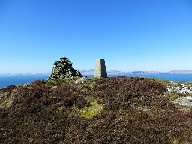 Trig pillar and cairn on Cnoc Stighseir,241m