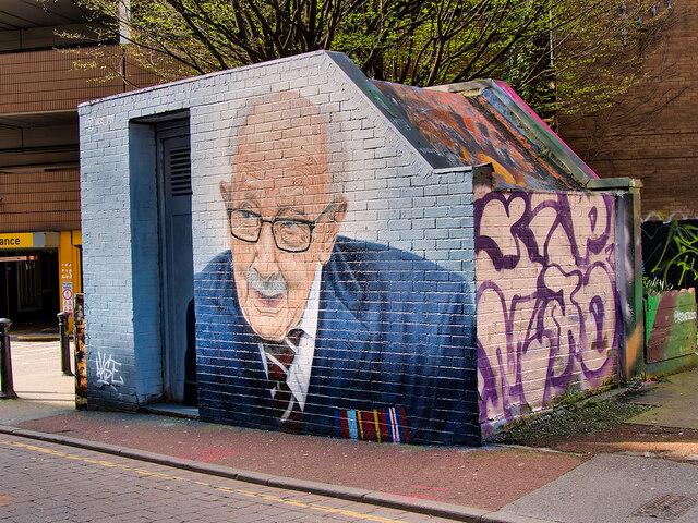 Tribute to Captain Sir Tom Moore on Tib Street