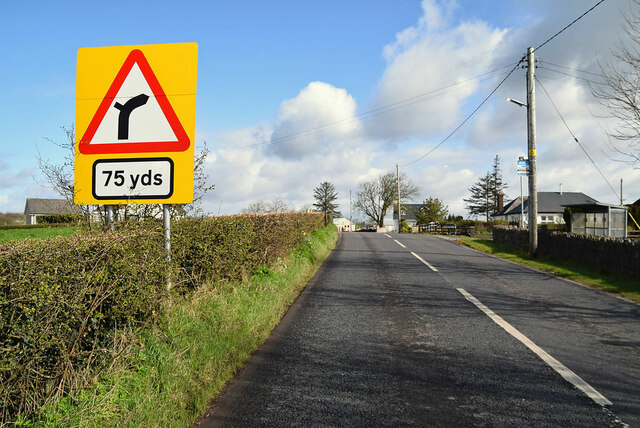 Bend ahead sign, Cooley