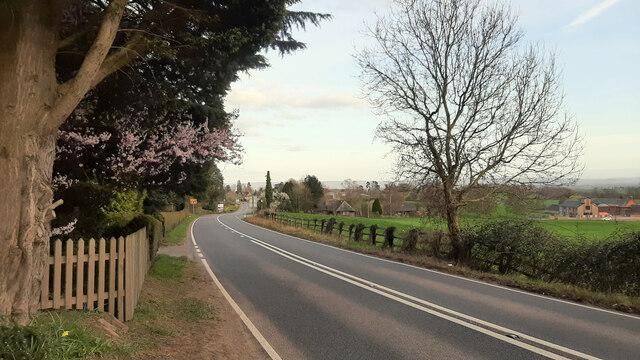 A40 approaching Huntley