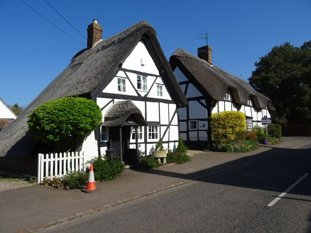 Thatched cottages in Cropthorne