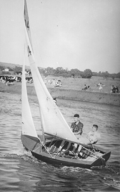 Avon Sailing Club at Twyning 1957, 12ft National racing