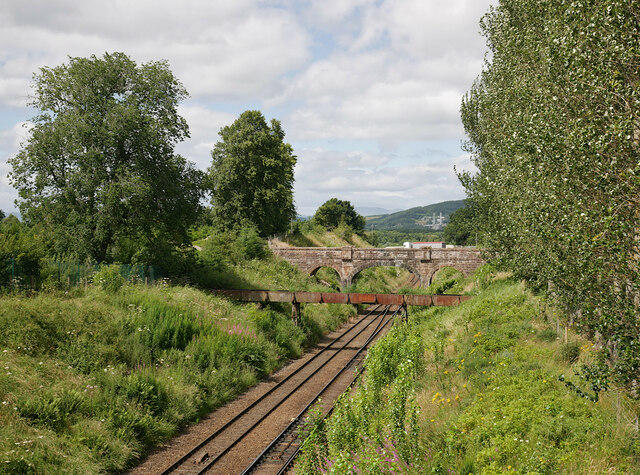 Bridges over the railway, Stoneyfield
