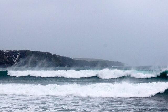 Waves at Norwick