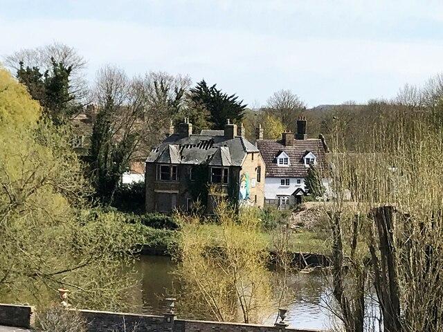 Derelict house near the old bridge in Huntingdon