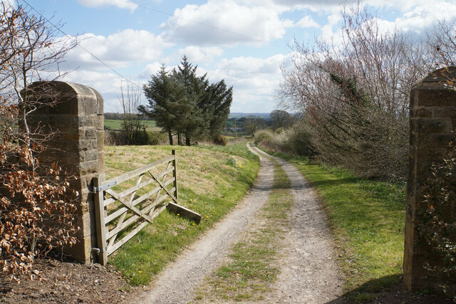 Track from Manor House Farmhouse