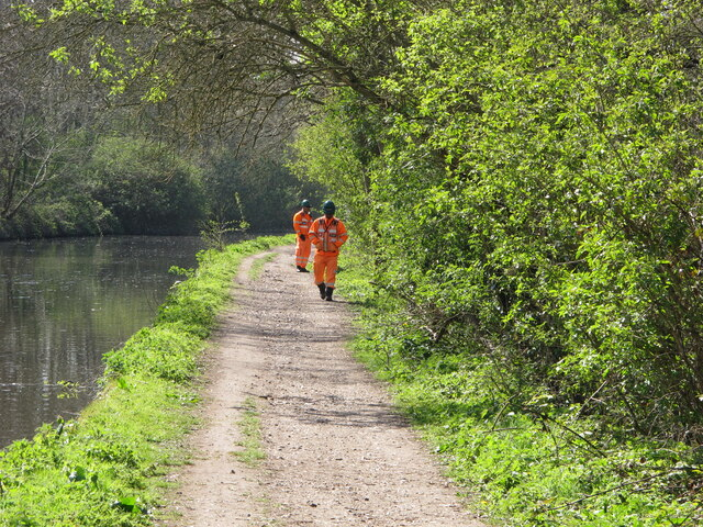 HS2 security guards on Grand Union canal towpath