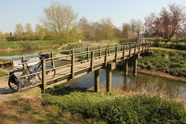 Horncastle Canal footbridge