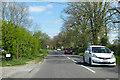 SU5495 : B4015 Oxford Road by Robin Webster