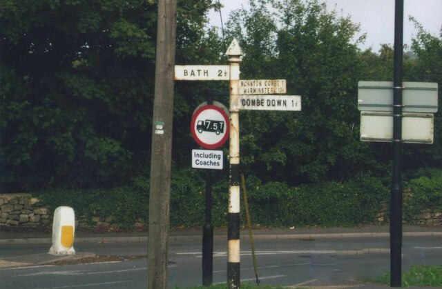 Direction Sign – Signpost in Claverton Down, Bath