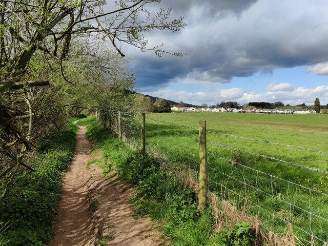Severn Way along the River Severn