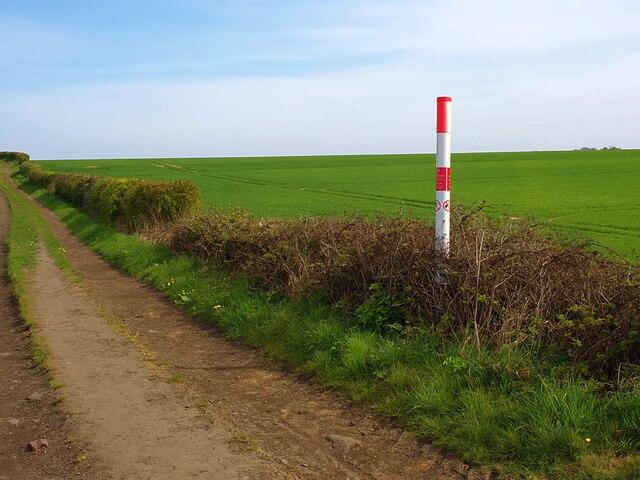 High pressure gas pipeline marker