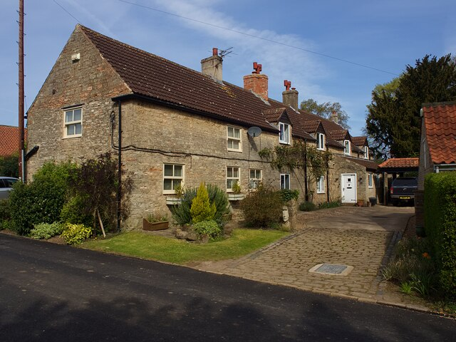 Cottages on Barker Hades Road
