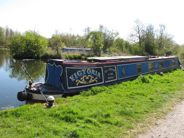 Narrowboat Victoria near Harefield