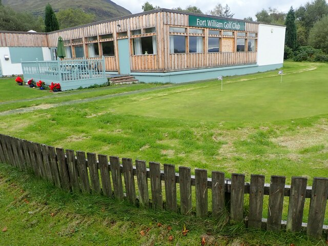 Practice green and club house, Fort William Golf Club