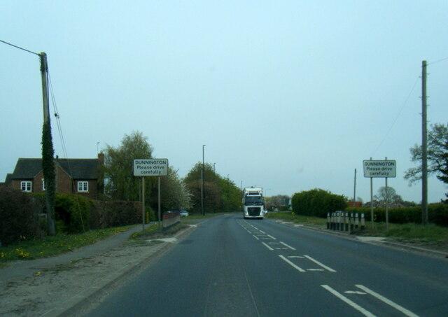 A1079 Hull Road at Dunnington village boundary