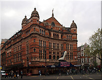 TQ2981 : Palace Theatre, Shaftesbury Avenue, London by habiloid