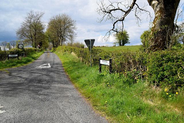 Deroar Road, Deroran