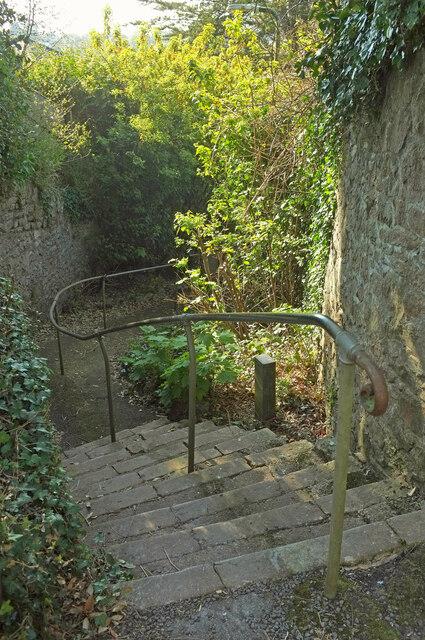 Wellswood Path
