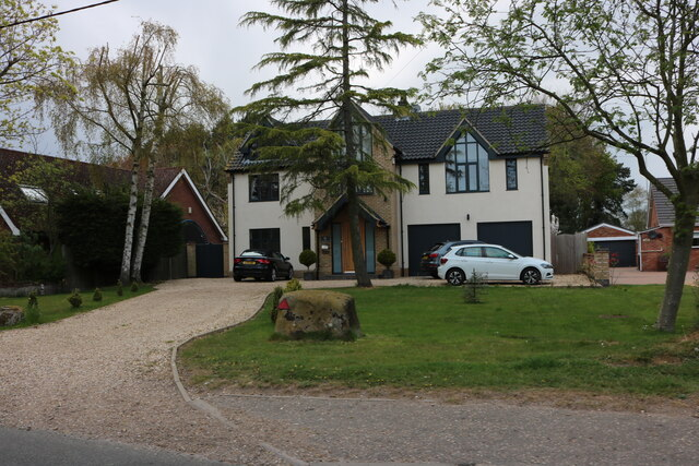 New house on Manor Road, North Wootton