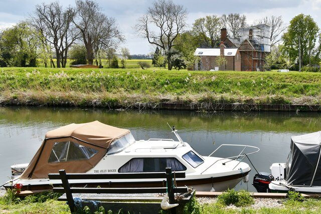 Brandon Bank: Boats moored on the Little Ouse