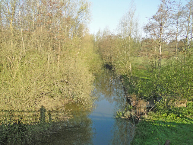 River Waveney upstream from the A140 bridge