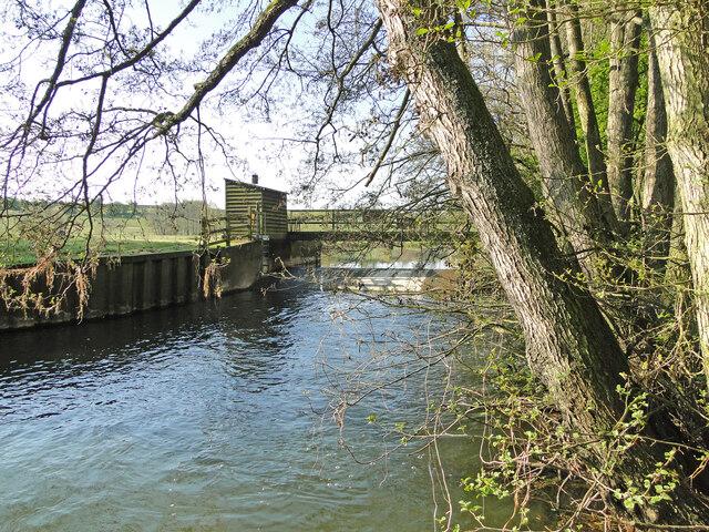 Weir on the Waveney at Needham