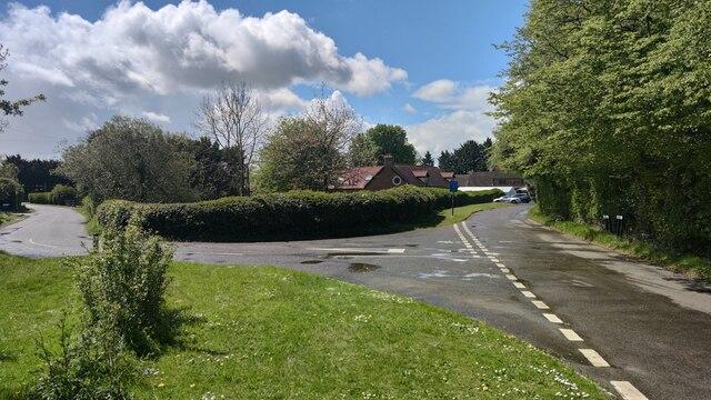Kiln Lane towards Chequers Inn