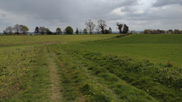 Bridleway heading to Middle Aston